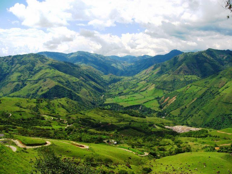 A falta de aprobación, oriente de Antioquia se suma al toque de queda por la vida