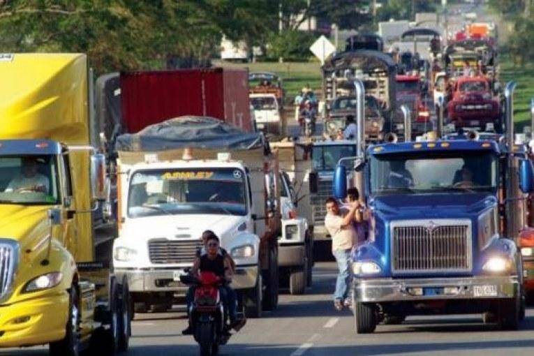 Camioneros y MinTransporte tienen lista la propuesta para levantar el paro