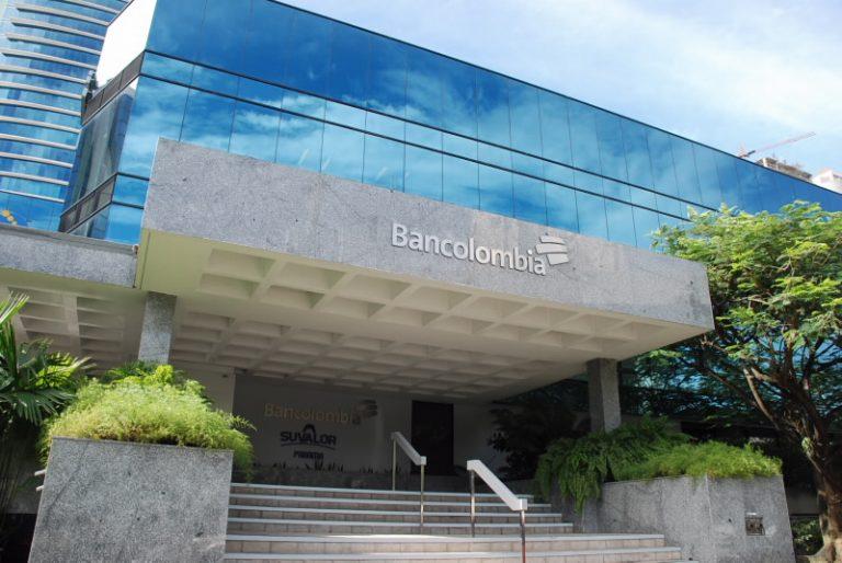 Bancolombia compró más de 20 mil vacunas para sus empleados en el país