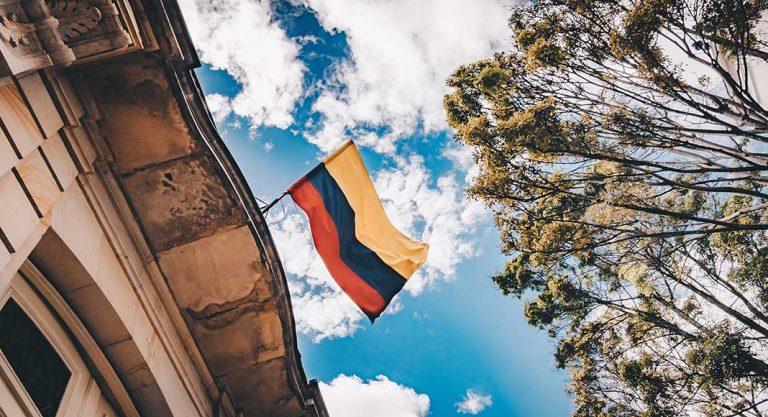 En Colombia el 84% de las personas cree que todo está mejorando: Encuesta Invamer