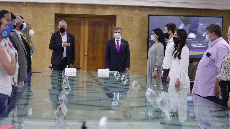 Gobernador (e) de Antioquia, recibió condecoración Orden de la Democracia 'Simón Bolívar'