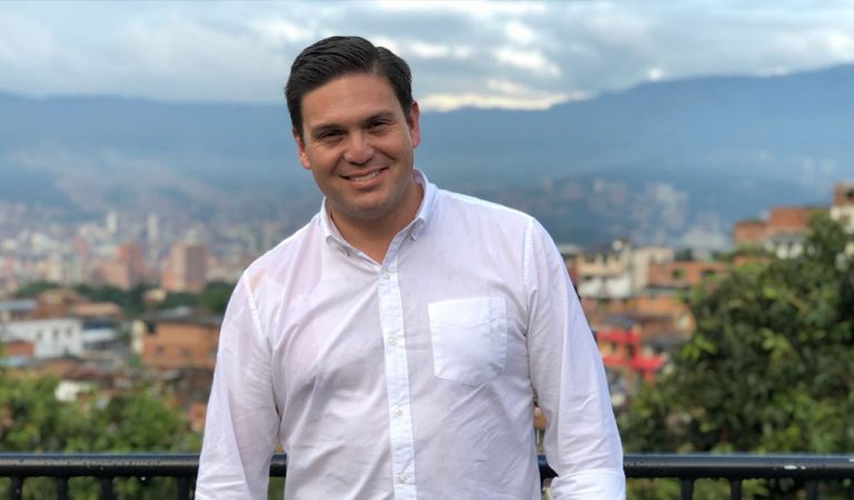 """""""Servir a Colombia es más importante que una aspiración personal"""": Juan Carlos Pinzón"""