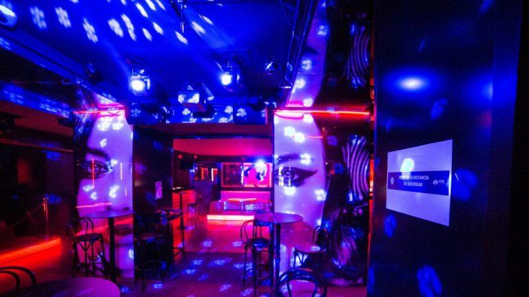 España abrirá discotecas hasta la madrugada en zonas con baja afectación por COVID