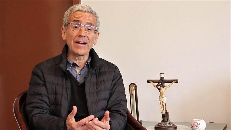 Padre Francisco de Roux insta a que Uribe pida perdón por los 'falsos positivos'