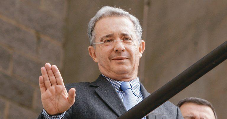 Uribe promoverá ley para endurecer castigos a quienes atenten contra la Fuerza Pública