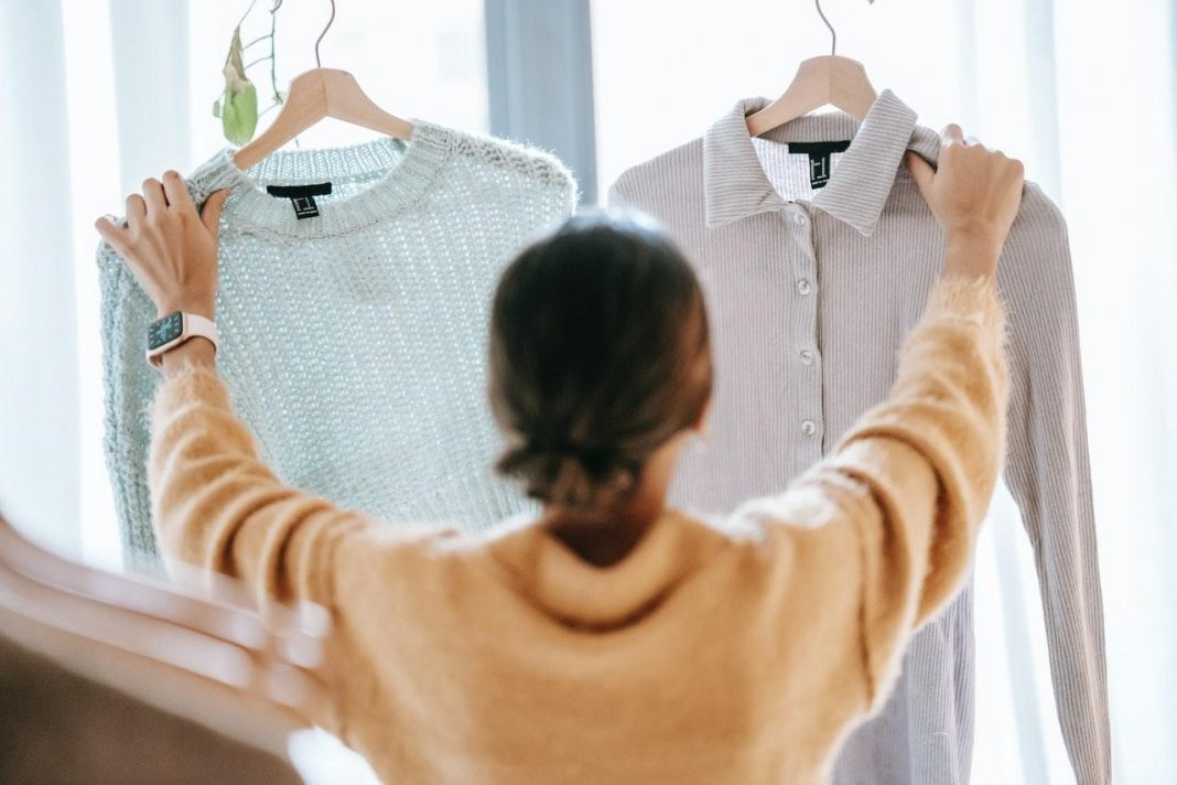 Tienda en auge de ropa a bajos costos da un vuelco a las ventas online
