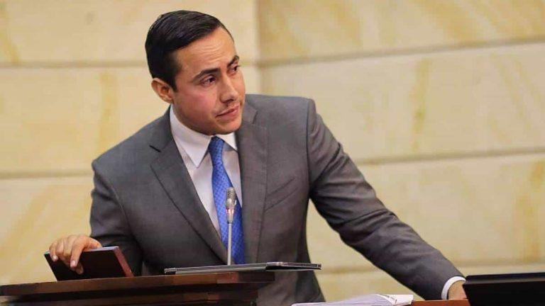 Senador Richard Aguilar renunciaría al Senado para que su proceso pase a la Fiscalía