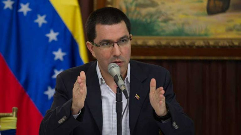"""Duque está al frente de un narco gobierno que envía mercenarios a asesinar presidentes"", Jorge Arreaza"