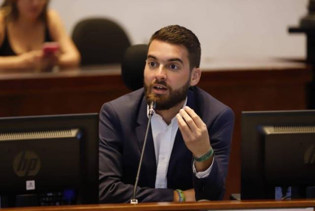 Queremos tener la primera red de bibliotecas en Colombia: concejal de Medellín Daniel Duque