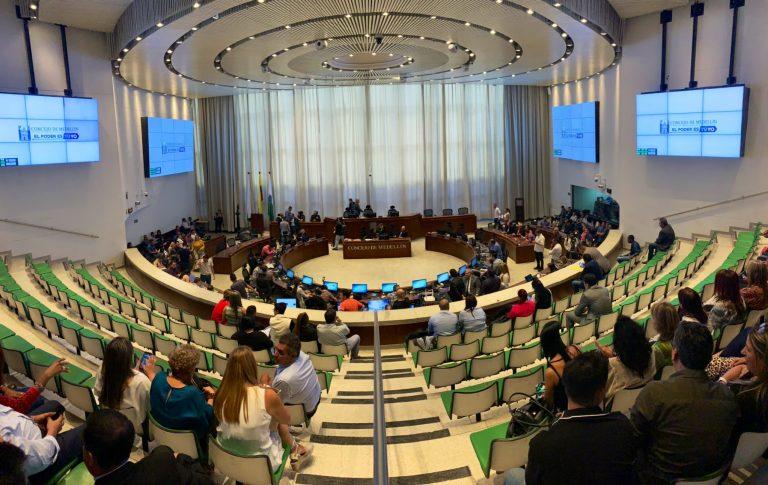 Concejo de Medellín inició estudio de enajenación de acciones de EPM en UNE e Invertelco