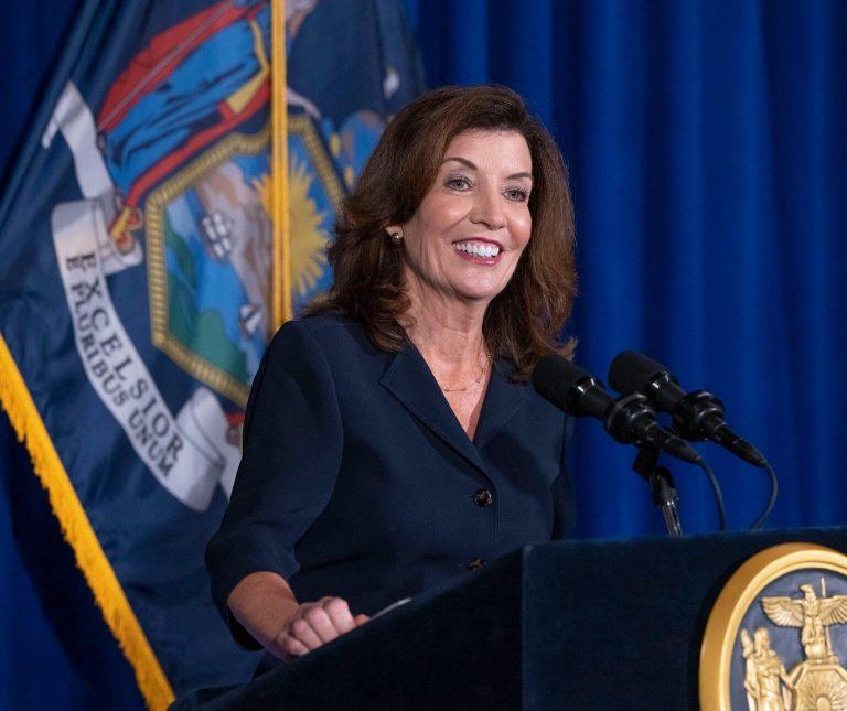 Kathy Hochul será la primera mujer en gobernar New York