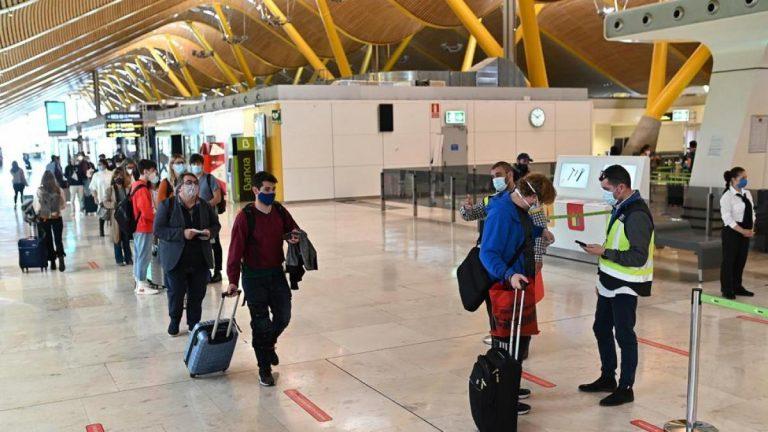 Mayoría de las pruebas PCR falsas en España son de viajeros colombianos