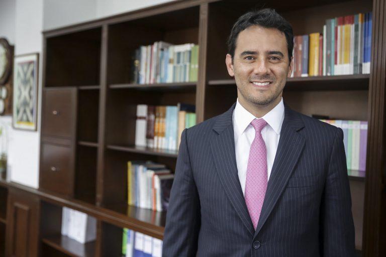 """""""Próximo Gobierno deberá presentar nueva tributaria"""", Andrés Pardo de XP Investments"""