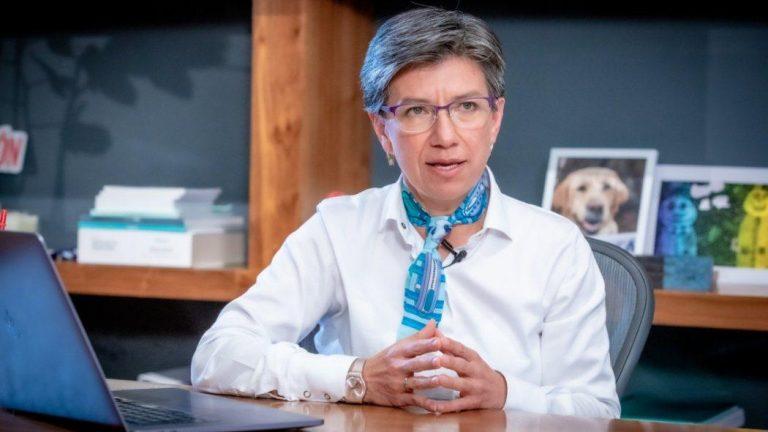 """¿Xenofobia? Cuestionan a Claudia López por crear un comando especial para """"criminales de población migrante"""""""