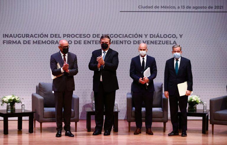Maduro y oposición firmaron memorando de entendimiento en México