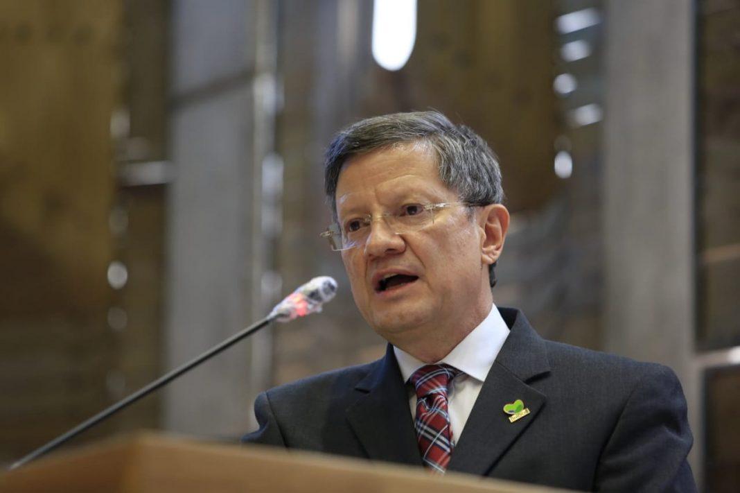 Luis Fernando Suárez, un caballero de la política
