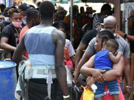17.000 migrantes represados en Necoclí