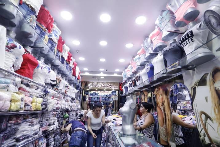 Ventas del comercio minorista crecieron 26,9% anual en julio