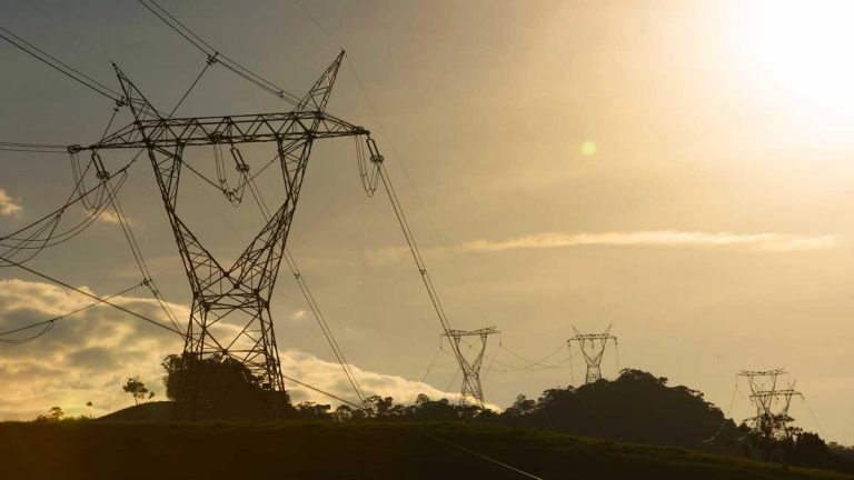 MinEnergía autorizó la construcción de nuevos proyectos de transmisión eléctrica