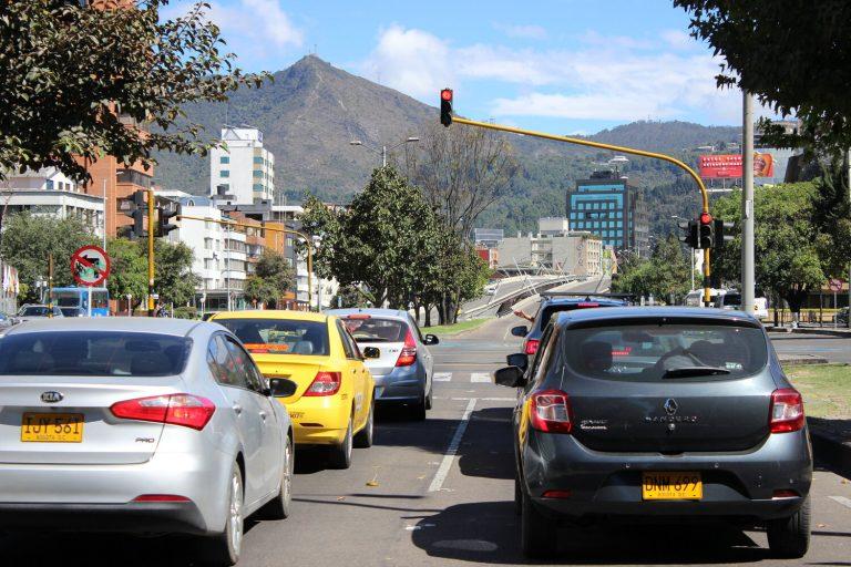 En octubre comenzará el cobro de parqueo en vía pública en Bogotá